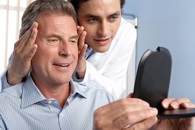 白癜风是可发生于头部,这是该病典型的早期症状