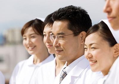 治疗白癜风的症状除了临床治疗还需要注意哪些